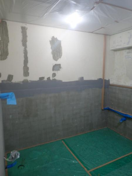 (1)トイレ壁下地補修