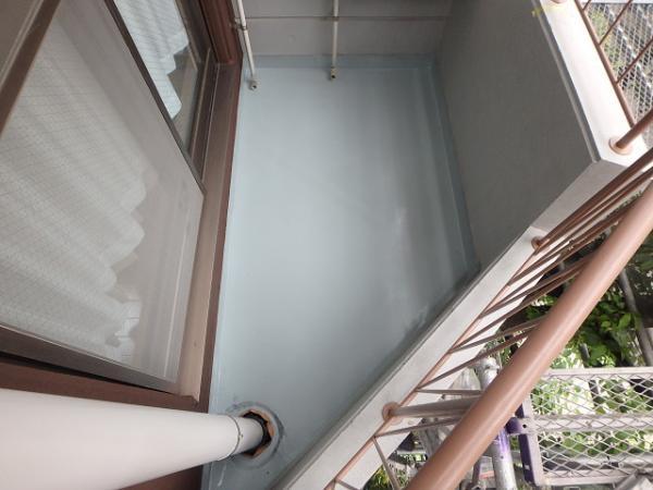 (11)ベランダ床防水(主剤塗布)2