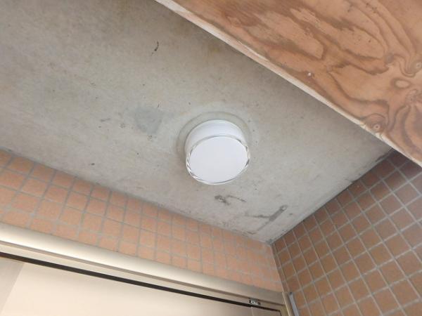 (2)101号室前天井照明器具交換