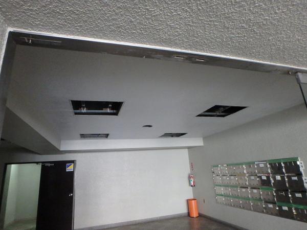 (3)エントランス天井解体3