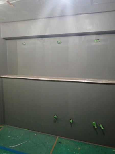 (3)トイレ壁塗装下塗り2