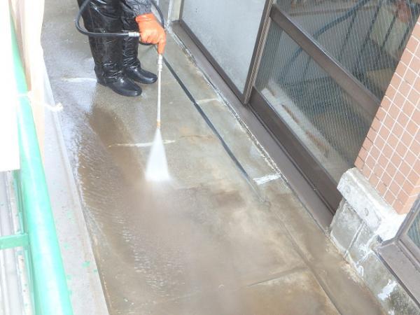 (6)ベランダ高圧洗浄1
