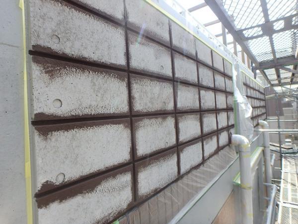 (6)外壁塗装(リシン面下塗り)