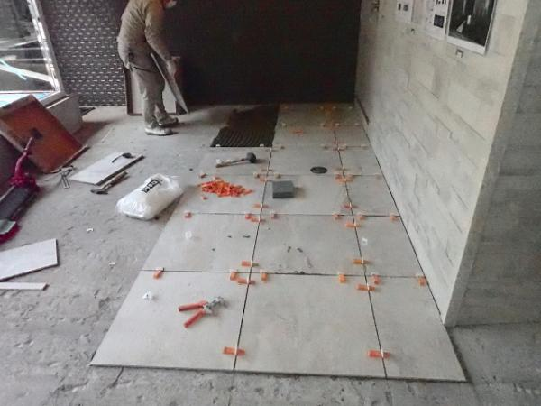 (9)床タイル貼り工事