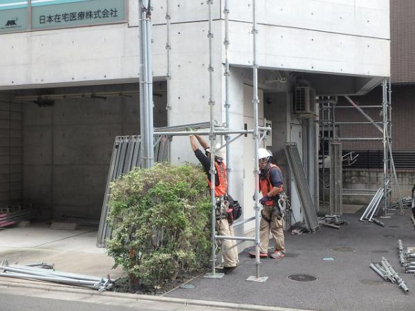 (2) 1階廻り足場地組