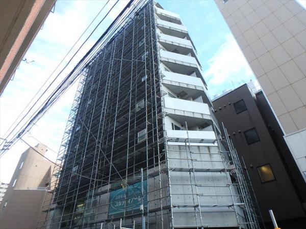 (7) 建物正面足場立上げ完了