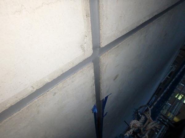 (9) 外壁目地シーリング打設1