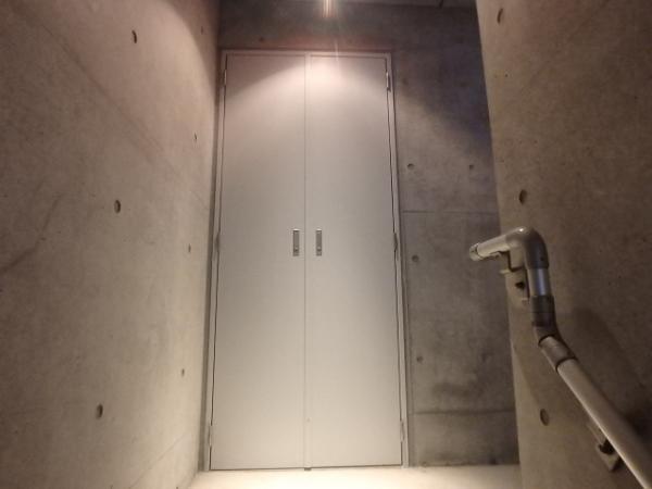 (14) 階段PS錆止め塗装
