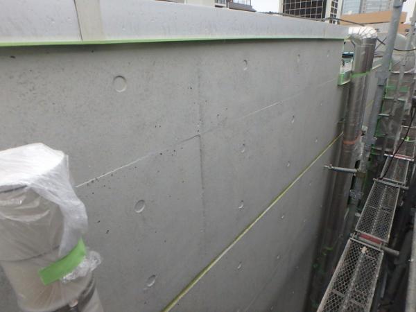 (2) 建物裏面外壁塗装完了1