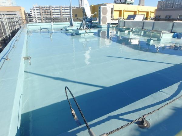 (1) 屋上防水主剤塗布完了