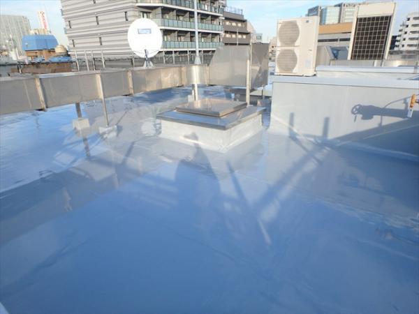(3) 屋上防水トップコート完了2