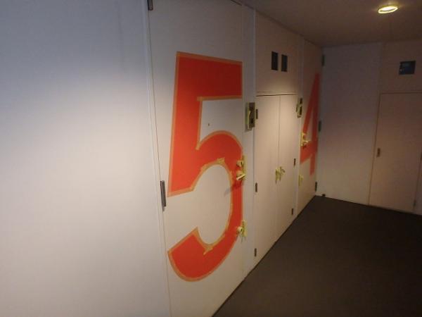 (10) 廊下塗装養生、下塗り2