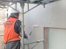 1.エントランス廻り 外壁塗装(仕上げ保護材)1