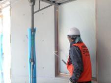 2.エントランス廻り 外壁塗装(仕上げ保護材)2