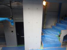 1.中庭右面柱塗装