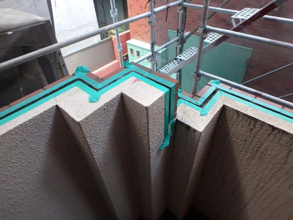 (8)階段取合シール撤去