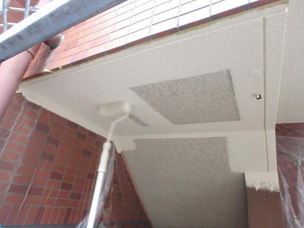 (2)階段天井塗装2