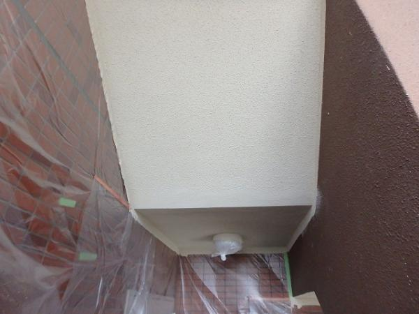 (4)階段天井塗装完了2