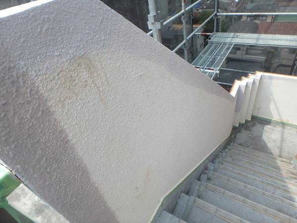 (5)階段腰壁下塗り