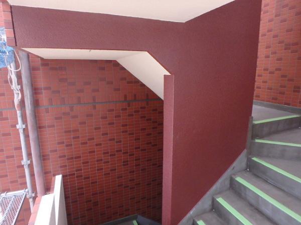 (6)階段中壁塗装