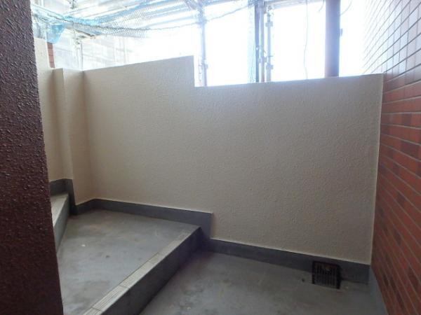 (8)階段腰壁塗装2