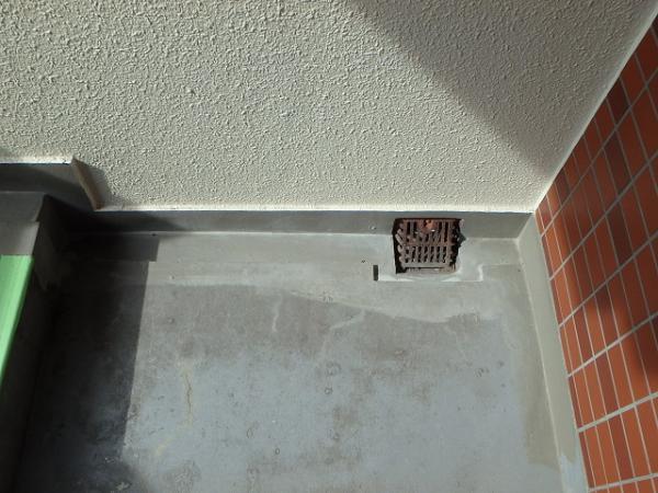 (8)階段床防水下地処理2