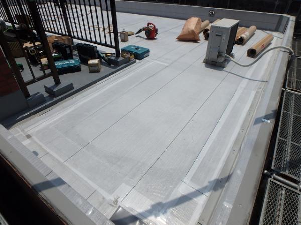 (11)屋上防水下地シート貼り1