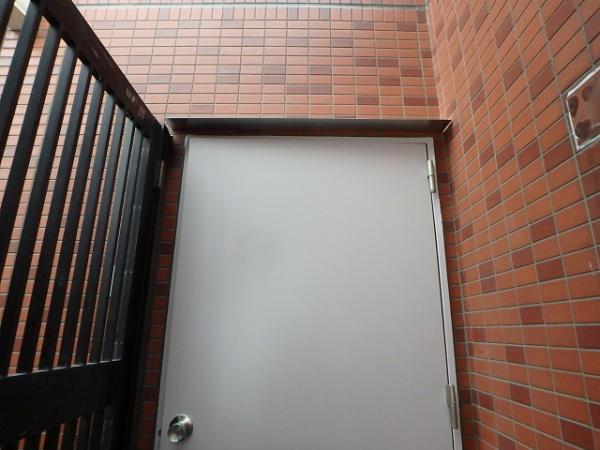 (4)7階SD上部SUS庇取付