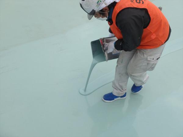(1) 屋上防水 主剤塗布(2層目)1