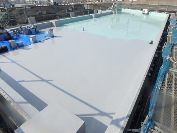 (5) 屋上防水 一部トップコート仕上げ完了