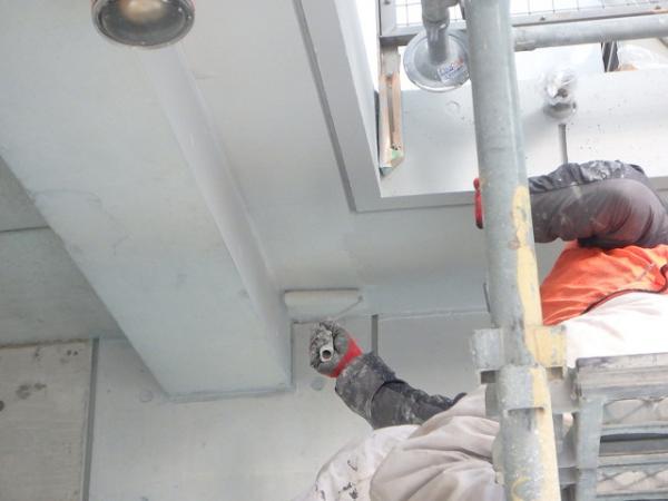 (10) 1階天井廻り塗装下塗り(2層目)2