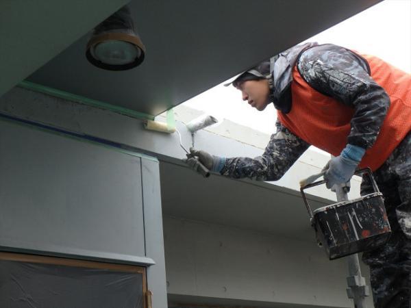 (13) 3階ベランダ軒天廻り塗装保護材塗布