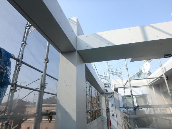 (14) 3階梁塗装完了