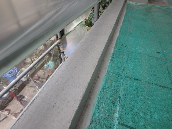 (11) 2階共用部手摺下塗装仕上げ
