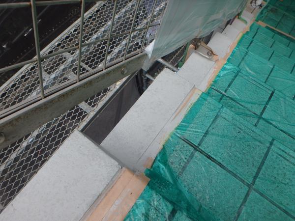(12) 階段ささら部分塗装仕上げ