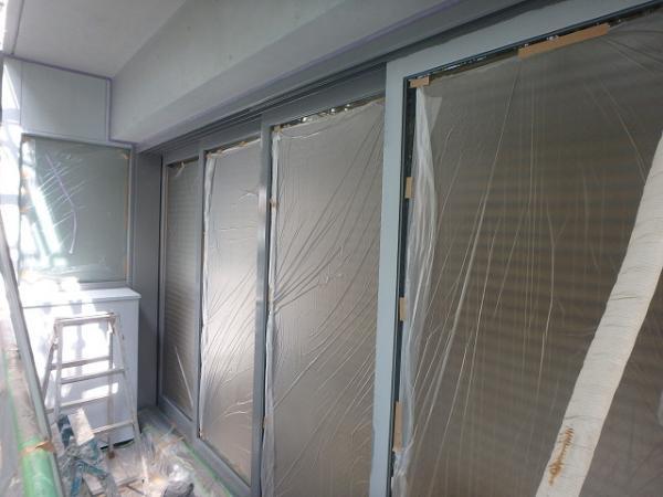 (4) 建物左ベランダ内サッシ塗装1