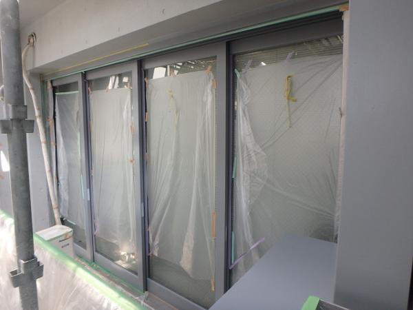 (5) 建物左ベランダ内サッシ塗装2