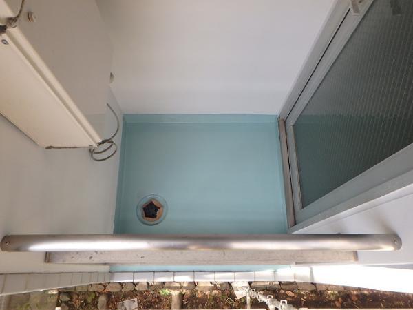(6) 建物右面ベランダ防水(主剤2層目)2