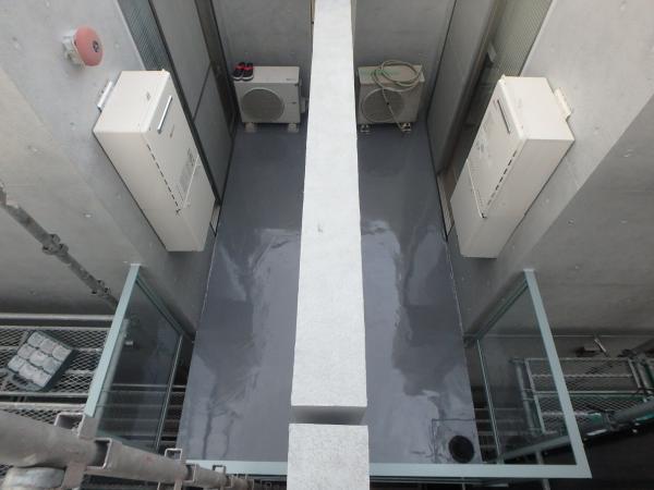 (9)バルコニー内防水塗装1