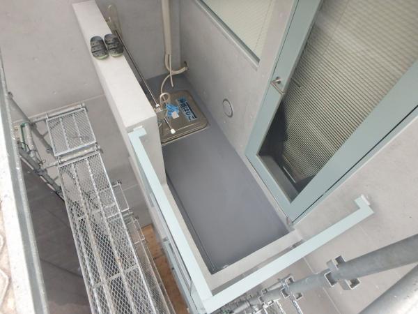 (10)バルコニー内防水塗装2
