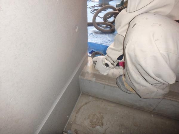 (5)階段タイル貼り工事1