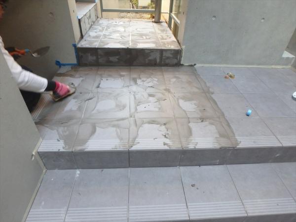 (9)階段タイル貼り工事5