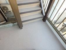 12.共用部階段長尺シート張り工事1