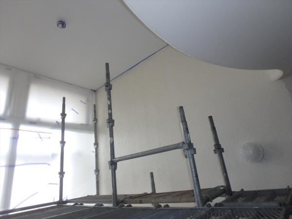 (10)共用部階段吹き抜け塗装3