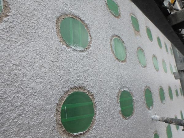 (10)南面ガラスブロック周り塗装作業2