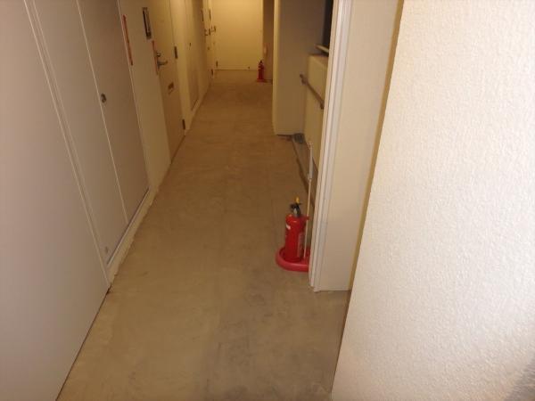 (10)各階共用部廊下下地調整