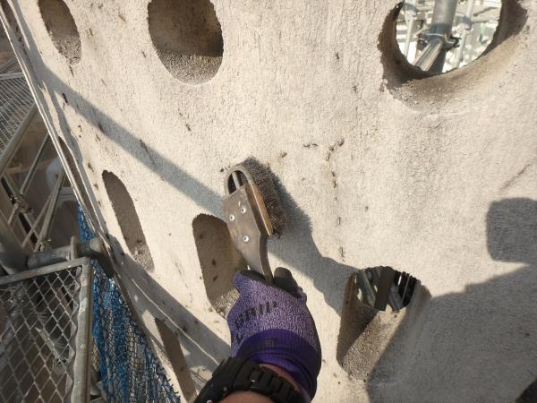 (14)南面外壁蔦の根撤去作業
