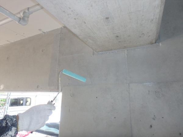 (14).駐車場壁面塗装2