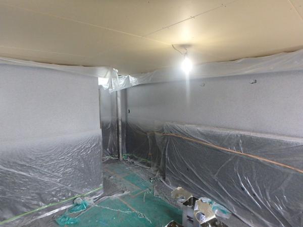 (15)トイレ壁吹付け塗装3