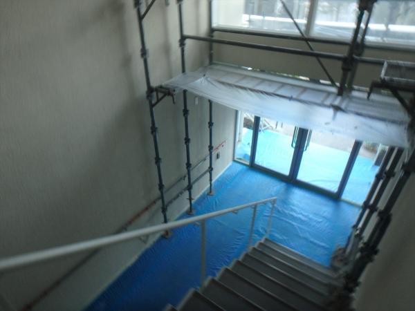 (15)共用階段塗装2